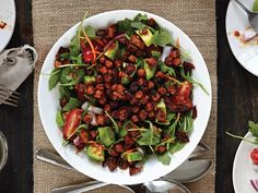 This BBQ-inspired salad topped with fried chickpeas would make a killer lunch. #recipe #salad