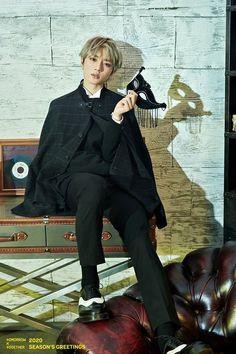 """One dream! Hello, we are Tomorrow By Together! Wattpad, K Idol, Poses, Daegu, Cool Wallpaper, South Korean Boy Band, Boy Bands, Seasons, Actors"