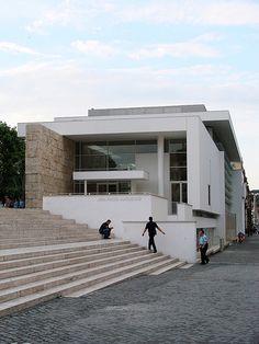 Ara Pacis museum in Rome / Richard Meier.