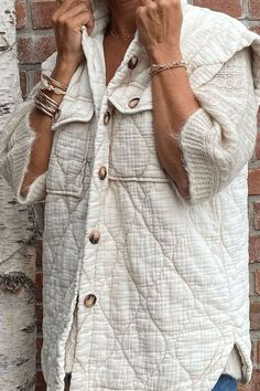 Long quilted vest Trend 2021 New Trends, Latest Fashion Trends, Casual Outfits, Fashion Outfits, Fashionable Outfits, Quilted Vest, Shirt Dress, Clothes For Women, Cute