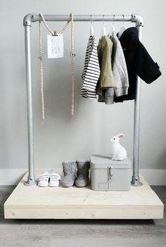 de-leukste-manieren-om-kleding-op-te-hangen-in-de-kinderkamer-3