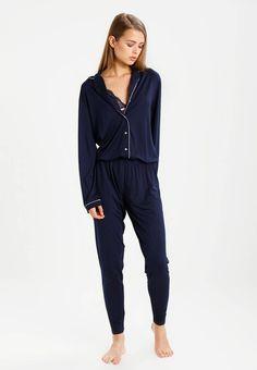 20 รูปภาพที่ยอดเยี่ยมที่สุดในบอร์ด pajama | Loungewear Male