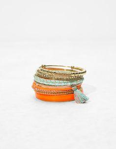 Pack de 10 bracelets métalliques fil et pompon - Bracelets - Bershka France