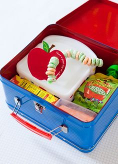 A Great Start to Back To School - Let them play with their food - fun lunch box idea Back To School Party, 1st Day Of School, School Parties, School Days, School Stuff, Happy Home Fairy, Cute Lunch Boxes, Lunch Box Notes, Hungry Caterpillar Party