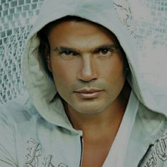 Amr diab's mini album (aslaha btefre' - because she makes a difference 2010) one song & 3 remixes (it awarded the best foreign language song in spain & russia in 2011) total sales: 4.750.000 M. copies.