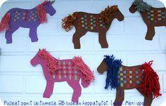Taitoa ja tekemistä: huhtikuu 2010 Diy Crafts For School, Crafts To Do, Easy Crafts, Crafts For Kids, Arts And Crafts, Yarn Projects, Diy Projects To Try, Projects For Kids, Weaving Yarn