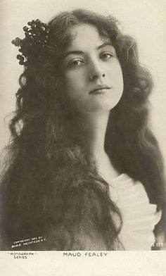 Maud Fealy (1883 – 1971) is up there with Hedy Lamarr in my opinion, look at that face!