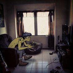 Murdoc jugando play station