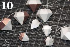 Ich hoffe, ihr könnt euch noch an die Bet0n-Diamant-Kette erinnern, die ich euch Ende November vorgestellt habe? Da ich damals gleich eine ganze Ladung Beton-Diamanten gegossen hatte, versprach ich…