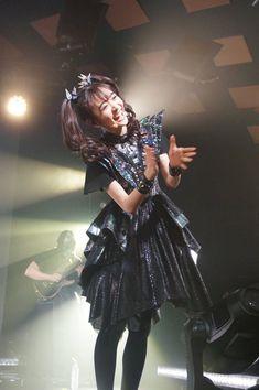 Moa Kikuchi, Live Band, Yui, Dreadlocks, Hair Styles, People, Beauty, Website, Concert