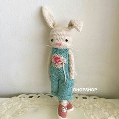 For charlotte--Bunny crochet - Without pattern Bunny Crochet, Crochet Fairy, Easter Crochet, Crochet Animals, Diy Crochet, Crochet Crafts, Crochet Projects, Crochet Stitches Patterns, Crochet Patterns Amigurumi