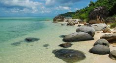 Phu Quoc is an famous island in Vietnam. You are the adventurous person, you can't miss chance to explore tranquil and beautiful beaches: Bai Sao (Star Beach) and Bai Dai (Long Beach). They are the mos wonderful beaches on the pearl island of Phu Quoc. Visit Vietnam, Vietnam Tours, Vietnam Travel, Laos, Places To Travel, Places To See, Vietnam Holidays, Beautiful Vietnam, Vietnam Voyage