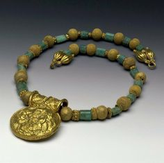 Necklace 5th - 2nd Century BC Etruscan (Source: The British Museum)