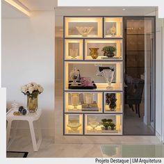 """2,094 Likes, 17 Comments - ArquiteturadeCoração (@arquiteturadecoracao) on Instagram: """"Estante iluminada com fundo em espelho valoriza qualquer sala. Por LM Arquitetura. •Ad♥️•…"""""""