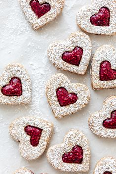Made from scratch with wholesome ingredients, these delicious but healthy linzer heart cookies will make for the perfect gift this upcoming Valentine's day. Valentine Desserts, Valentine Cookies, Easter Cookies, Birthday Cupcakes, Christmas Cookies, Chocolate Belga, Strawberry Mousse, Low Carb Cheesecake, Heart Cookies