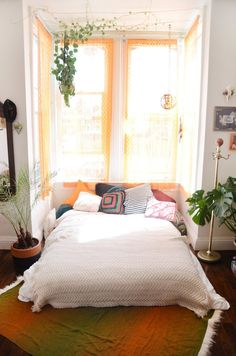 House Tour: A Cozy, Bohemian Home Shared by 3 Roommates   Apartment Therapy