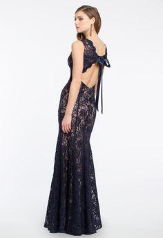 Scallop V-neck Lace Dress #camillelavie