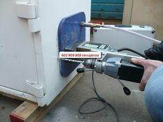 Cerrajero de Almeria 603 909 909 las 24 horas a su disposición para apertura de cajas fuertes, coches, puertas persianas e instalación de cerraduras de todo tipo. No ponemos pegatinas