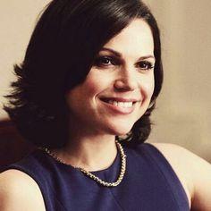 Mano megstamiausia veikeja yra Regina Mills. Man ji patinka nes ji yra grazi, sumani ir kartais sarkastiska. As manau, kad nusipelne laimingos pabaigos nes ji labai stengiasi buti gera ir gauti tikra meile . ❤❤