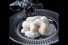 Svěží rohlíčky Czech Recipes, Christmas Cookies, Muffin, Breakfast, Desserts, Czech Food, Drink, Xmas Cookies, Morning Coffee
