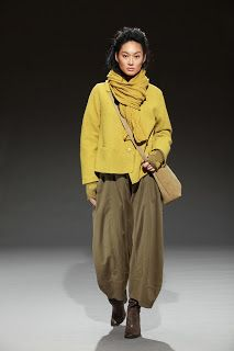 frumpy to funky: Oska Cuts the Mustard with their Autumn/Winter 11 Collection - Slow Fashion, Boho Fashion, Winter Fashion, Fashion Outfits, Womens Fashion, Fashion Design, Oska Clothing, Look 2018, Look Street Style
