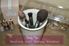 BEAUTY | Oh So Chic - CLEAN YOUR BRUSHES