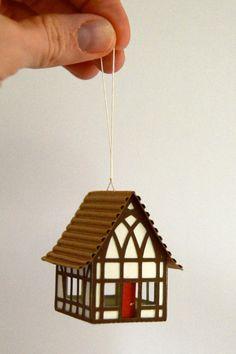 Tudor House Christbaumkugel oder Putz-Haus