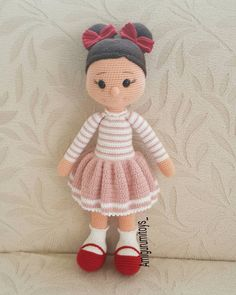Sweet little crochet doll base - Salvabrani This Pin was discovered by Özl My Most Beautiful Knitting: Do Crochet Amigurumi, Crochet Bunny, Cute Crochet, Amigurumi Doll, Plush Dolls, Doll Toys, Octopus Crochet Pattern, Crochet Dolls Free Patterns, Doll Patterns