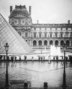 Musée du Louvre Paris 2016  #paris #myparis #igersparis #travel #wanderlust #citiesofeurope #iloveparis #parismoments #igworldquest #visitparis #leicaq #leicaphoto #louvre #the_bestbw #ig_shotz_bw #bnw_demand #bnw #bnw_sweden #bnw_life #masters_in_bnw #original_bnw #mono_styles #bnwsouls #jj_blackwhite #foto_blackwhite #bnw_fanatics