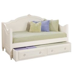 Pretty daybed with trundle