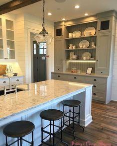 Kitchen Updating Ideas Best Rustic Farmhouse Kitchen Cabinets in List 75 - Grey Painted Kitchen, Kitchen Paint, Kitchen Redo, New Kitchen, Kitchen Ideas, Kitchen Pictures, Farmhouse Kitchen Cabinets, Kitchen Cabinet Design, Kitchen Hutch