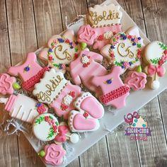 Baby shower cookies for baby Goldie! #sweets #customsweets #customcookies #sugarcookies #sugarcomacookies #edmond #edibleart #designercookies #decoratedcookies #artisancookies #okc #oklahoma #okcmetro #okcsweets #okctreats #madeinoklahoma #shoplocal #edmondoklahoma#customdecoratedcookies #baby #okcbaby