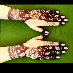 Image about henna in mehndi by دلکش on We Heart It Palm Mehndi Design, Latest Henna Designs, Floral Henna Designs, Henna Art Designs, Mehndi Designs For Girls, Indian Mehndi Designs, Mehndi Designs 2018, Stylish Mehndi Designs, Mehndi Design Photos