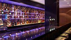 Genieten van een lekker tapbiertje, cocktail of een specialiteitenlikeur van Van Kleef of kies uit het brede aanbod aan mousserende wijnen