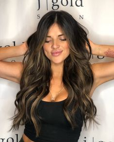 Hair colour ideas for brunettes – My hair and beauty Bayalage, Brown Hair Balayage, Blonde Hair With Highlights, Brown Blonde Hair, Balayage Brunette, Hair Color Balayage, Brunette Hair, Ombre Hair, Honey Balayage