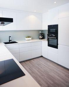 "M A L I N on Instagram: ""W e d n e s d a y 👋🏼 . . . . . #kitchen #kitcheninspo #kitcheninterior #kjøkken #kjøkkeninspirasjon #kjøkkeninspo #ikeakitchen #ikeakjøkken…"" Ikea, Kitchen Cabinets, Decorating Ideas, Home Decor, Decoration Home, Ikea Co, Room Decor, Cabinets, Home Interior Design"