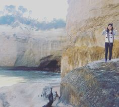 Great Ocean Road and the 12 apostles. Enjoyed all the tours we had so far but the timing and weather..its making me crazy.  #melbournetrip #melbourne #australia #greatoceanroad #12apostles #travelwhenimyoung #travel #todolistwithmyfuturehusband #humansaresosmall #theworldissobig #iliketherainforestmost by merylmich http://ift.tt/1ijk11S