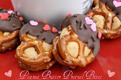 Mommy's Kitchen: Valentine Peanut Butter Pretzel Bites. Customizable for any holiday.