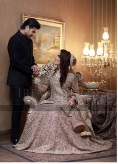 Internationally renowned & award winning wedding photojournalist/Engineer now settled in. Bridal Mehndi Dresses, Pakistani Wedding Outfits, Pakistani Bridal Dresses, Pakistani Wedding Dresses, Bridal Outfits, Pakistani Lehenga, Sabyasachi, Pakistan Bride, Pakistan Wedding