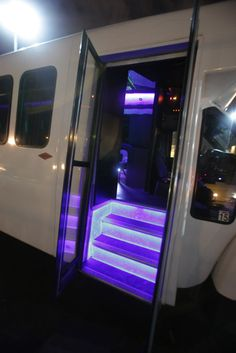 California Party Bus Tours - The San Francisco Bay Area Premiere Limo and Party Bus Service For All Occassions