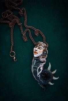 Pendant Lilith. Polymer clay, labradorite.