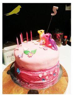 My little pony cake! My Little Pony Cake, Birthday Cake, Baking, Desserts, Recipes, Food, Tailgate Desserts, Deserts, Birthday Cakes