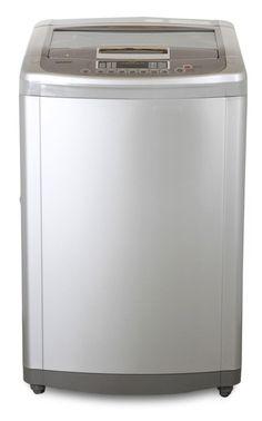 La ropa sucia se lava en una buena lavadora