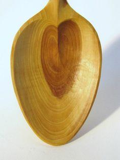 Niggleberry Treen: Lilac wedding spoon