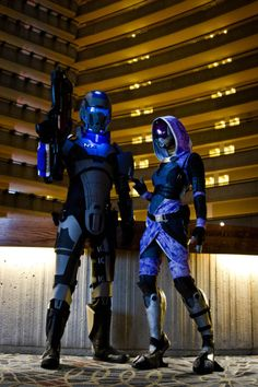 Male Shepard (left) and Tali'Zorah vas Neema (right) from Mass Effect 2