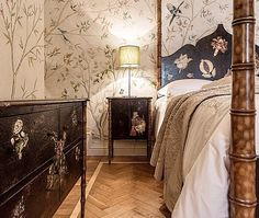 Like a fairy tale, from our latest installations.  Visit www.porteitalia.com and learn more about our history, our artists and our furniture creations. #bedside  #Italianfurniture #paintedfurniture #handmade #handpainted #luxuryhome #luxuryfurniture #luxuryhotels #art #bespokefurniture #bamboo #interiordesign #homedecor #bedroomfurniture #venetianfurniture #venice #venezia #igersvenezia #milieumag #ad #finepaintedfurniture #frette #porteitalia #porteitaliainteriors