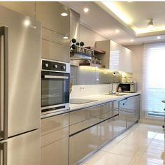Interior design ideas for a luxury kitchen decoration. On this kitchen, you can see exceptional furniture design pieces. Take a look at the provisions and let you inspiring! See more clicking on the image. Kitchen Room Design, Luxury Kitchen Design, Contemporary Kitchen Design, Kitchen Cabinet Design, Luxury Kitchens, Home Decor Kitchen, Interior Design Kitchen, Cool Kitchens, Kitchen Living