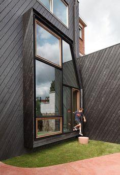 Big beautifiul windows in in Leuven, Belgium. #dreamhouseoftheday
