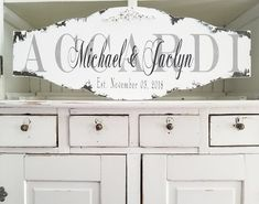 RUSTIC HOME DECOR | ESTABLISHED SIGN | PERSONALIZED | RUSTIC WEDDING DECOR Shabby Chic Signs, Shabby Chic Style, Last Name Signs, Family Name Signs, Personalized Wedding Gifts, Personalized Signs, Gift Wedding, Wedding Decor, Rustic Wedding