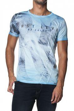 50% Algodão  50% PoliesterT-Shirt 1st Level com efeito sublimado e aplicações de tachas, manga curta, decote redondo e fit slim